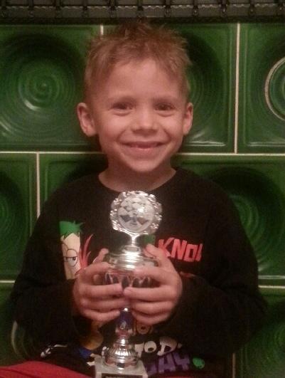 Max mit Pokal